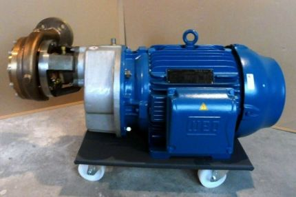 CRYOBASE CRYOGENIC PUMP FOR NITROGEN, ARGON AND OXYGEN Germany